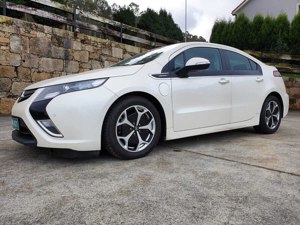 Opel-Ampera-Excellence-2013